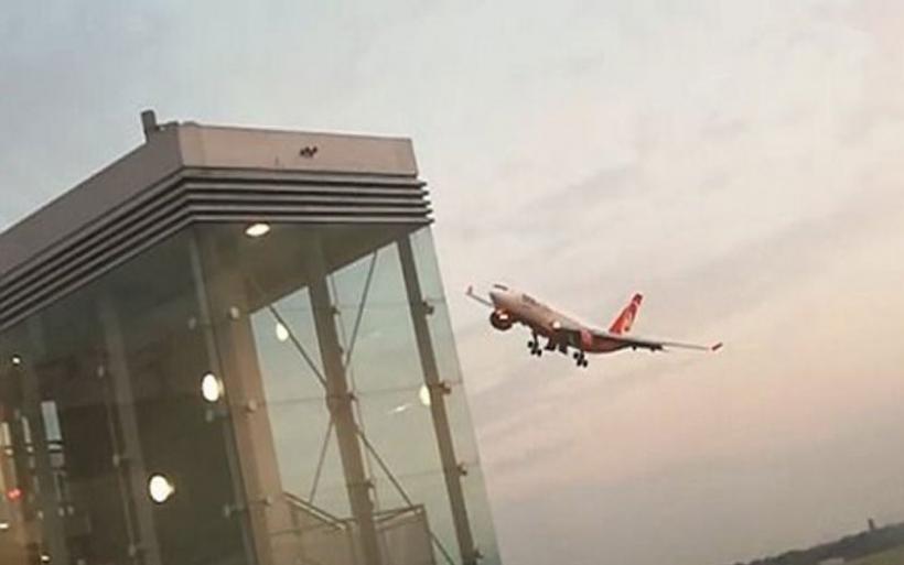 Βίντεο: Η αποχαιρετιστήρια μανούβρα πιλότου της Air Berlin