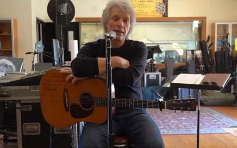 Ο Τζον Μπον Τζόβι γράφει ένα τραγούδι για το ξέσπασμα του κορωνοϊού
