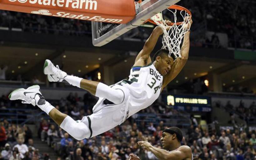NBA: τα 100 καρφώματα του 2016 με Αντετοκούνμπο