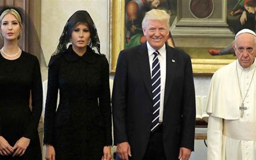 Στο Βατικανό με μαύρο μαντήλι η Μελάνια και η Ιβάνκα Τραμπ