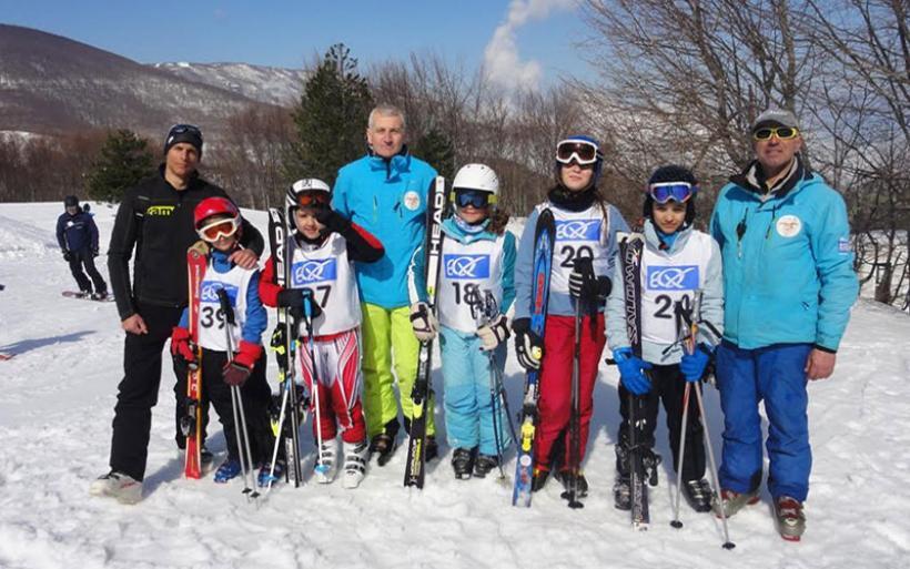 Ε.Ο.Σ. Αλμυρού: Διακρίσεις για τους μικρούς αθλητές στην αγωνιστική χιονοδρομία (φωτο)