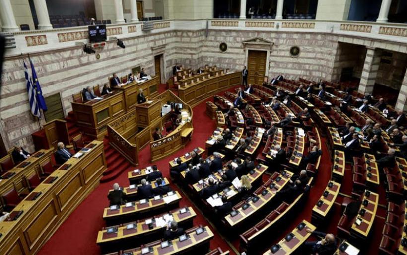 """Υπερψηφίστηκε με 153 """"ναι"""" η Συμφωνία των Πρεσπών στη Βουλή"""