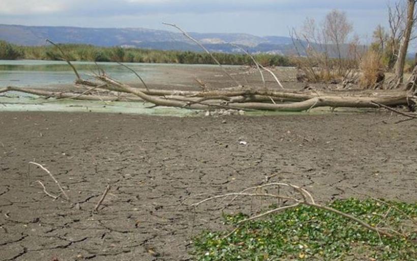 Σχεδόν στο 1 μέτρο πλησιάζει η μείωση της στάθμης του νερού της λίμνης Παμβώτιδας