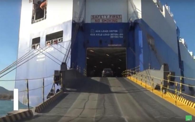 Στο λιμάνι του Βόλου πλοίο που μπορεί να μεταφέρει 3.000 αυτοκίνητα