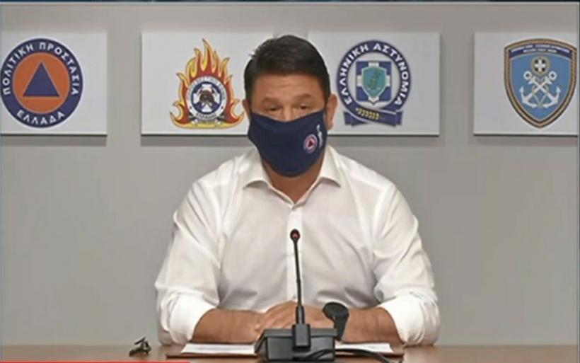 Χαρδαλιάς: Υποχρεωτική η μάσκα σε όλους τους κλειστούς χώρους- μόνο καθιστοί στα μπαρ