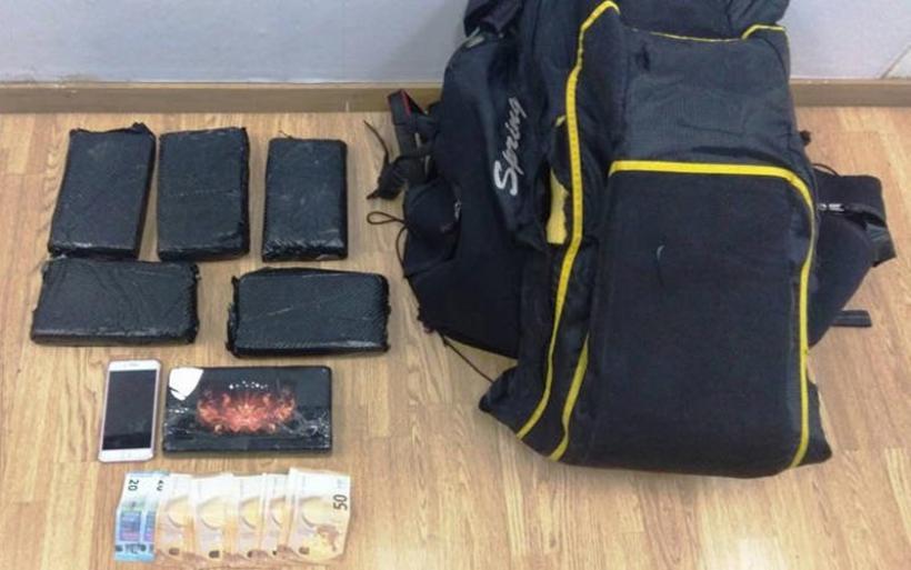 25χρονη Βραζιλιάνα μοντέλο πιάστηκε με 6,7 κιλά κοκαΐνης στην Αθήνα