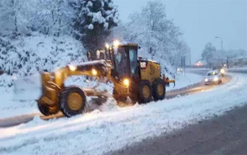 Στο ένα μέτρο το χιόνι στα Χάνια, ξεπέρασε το μισό μέτρο στην Ανάβρα– Ανοιχτοί οι δρόμοι