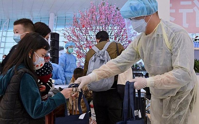 Κίνα: Τα νέα περιστατικά δείχνουν ότι ο ιός μεταλλάσσεται κατά άγνωστους τρόπους
