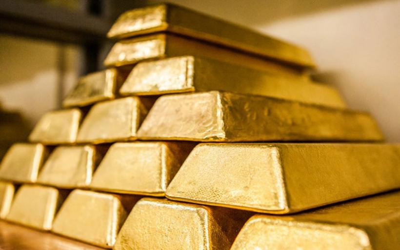 Χρυσός: Οι επενδυτές «αγοράζουν» ασφάλεια – Η τιμή κάνει ράλι προς τα $1.700