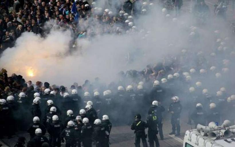 Νέες συγκρούσεις στο Αμβούργο- Πυρπολήθηκαν περιπολικά