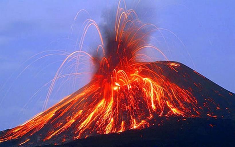 Drones κατέγραψαν καρέ-καρέ την έκρηξη ηφαιστείων