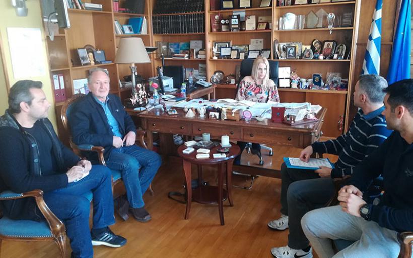 Συζήτησαν με την Δωροθέα Κολυνδρίνη για τη λειτουργία του θαλάμου αποπίεσης