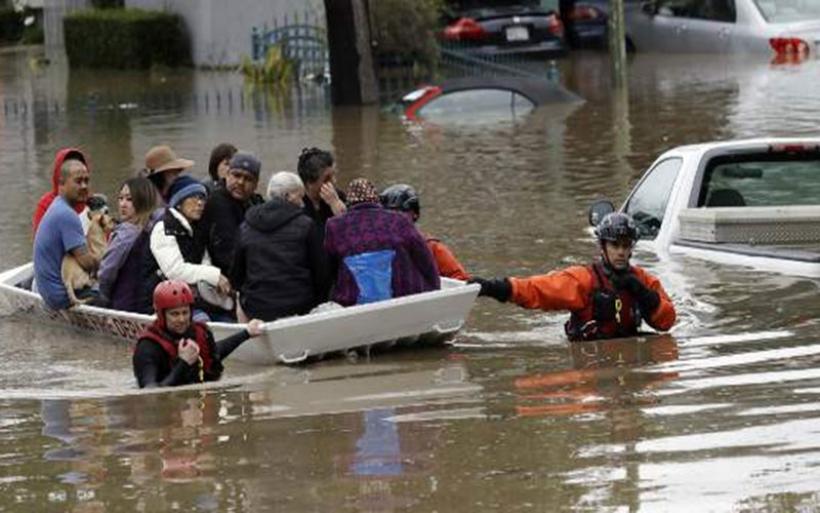 Φοβερές εικόνες! Βούλιαξε ολόκληρη περιοχή στην Καλιφόρνια