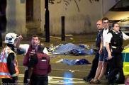 Βαν έπεσε πάνω σε πλήθος ατόμων, κοντά σε τέμενος στο βόρειο Λονδίνο