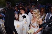 Στράτος Τζώρτζογλου-Σοφία Μαριόλα: Το άλμπουμ του γάμου τους και της γαμήλιας δεξίωσης στα Χανιά!