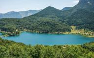 Η λίμνη που κρύβει στο βυθό της ένα εικονοστάσι του 17ου αιώνα