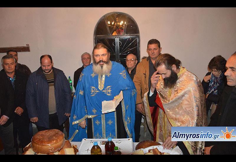 Σε εορταστικό κλίμα η Τ.Κ. Πλατάνου - Πανηγυρικός Εσπερινός στον Άγιο Αντώνιο (φωτο)