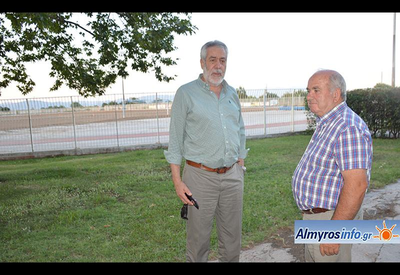 Ολοκληρώνονται οι εργασίες αντικατάστασης του χλοοτάπητα στο γήπεδο του Αλμυρού