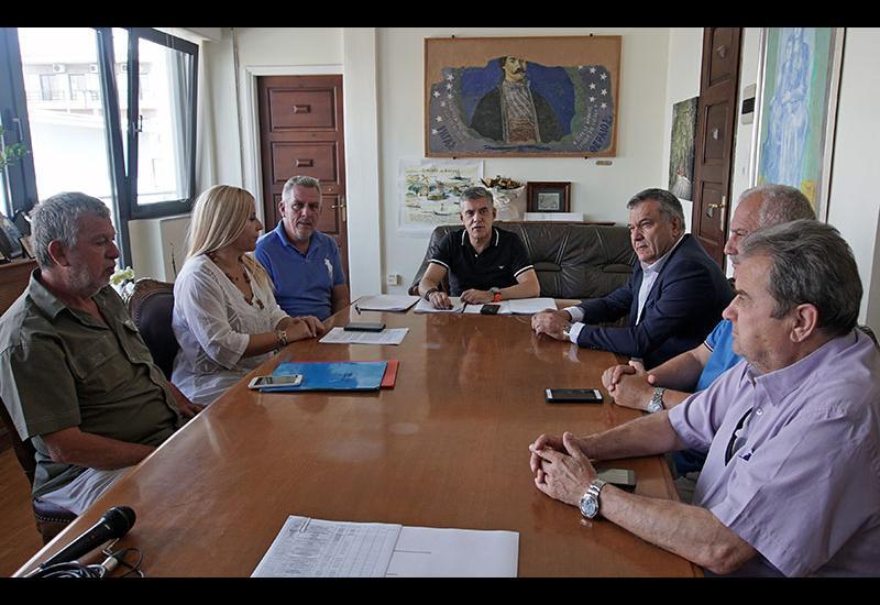 Συντηρεί και βελτιώνει το οδικό δίκτυο σε περιοχές του Δήμου Αλμυρού η Περιφέρεια Θεσσαλίας